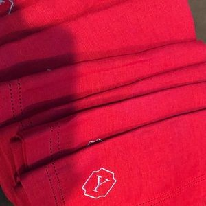Red linen napkins Williams & Sonoma. 4 Y Monogram